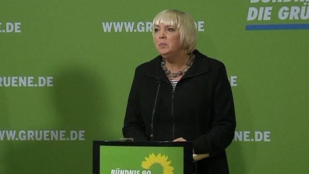 Grünen-Chefin Claudia Roth bleibt bei ihrer erneuten Kandidatur für den Parteivorsitz.