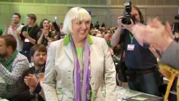 Grünen-Chefin Roth mit großer Mehrheit im Amt bestätigt