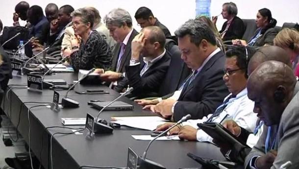 Die fast 200 Teilnehmerstaaten stimmten in Doha für eine Verlängerung des eigentlich Ende des Jahres auslaufenden Kyoto-Protokolls bis 2020.