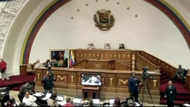 Opposition fordert Neuwahlen in Venezuela