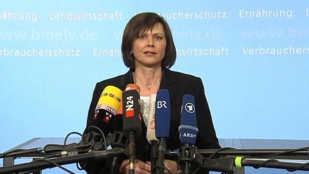 Konsumenten sollen sich nach dem Willen von Verbraucherschutzministerin Ilse Aigner künftig auf einer zentralen Internet-Seite über zurückgerufene Lebensmittel informieren können.