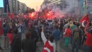 Am Sonntag haben erneut Zehntausende Menschen in der Türkei gegen die Regierung protestiert.