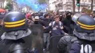 Krawalle bei Schüler-Protesten gegen Abschiebung in Paris