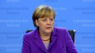 Merkel gibt sich zurückhaltend - Erneut Hunderte Bootsflüchtlinge vor Sizilien gerettet.