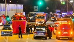 Chemieunfall löst Großeinsatz der Feuerwehr aus