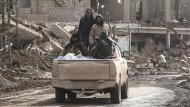 Kämpfer der von Kurden angeführten und von den Vereinigten Staaten unterstützten Syrischen Demokratischen Kräfte in Hadschin