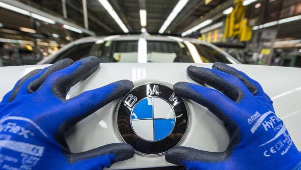 Verlassen Deutschlands Autobauer die Insel?