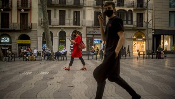 Spaniens Gesundheitsminister erhöht den Druck auf Madrid