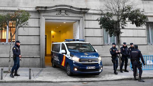 Katalanischen Separatisten drohen 177 Jahre Haft