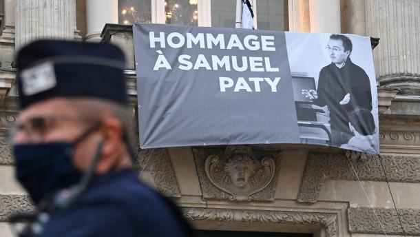 Patys Mörder mit allen Ehren bestattet