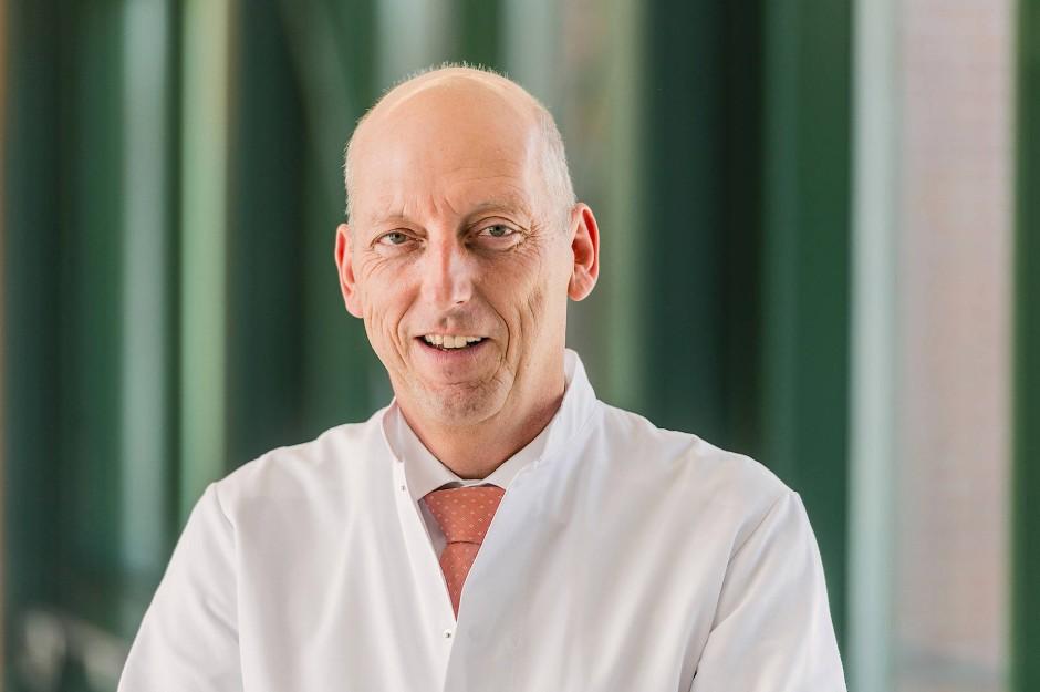Prof. Dr. Karl-Dieter Heller, Ärztlicher Direktor des Herzogin Elisabeth Hospitals in Braunschweig