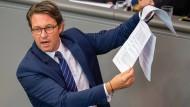 Verkehrsminister Andreas Scheuer (CSU) während der Debatte über das Scheitern der Pkw-Maut Ende Juni im Bundestag