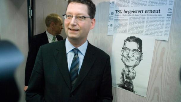 Auf in den Wahlkampf mit Brille und Kürzel