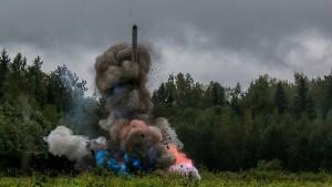Atomar abrüsten oder nukleare Eskalation