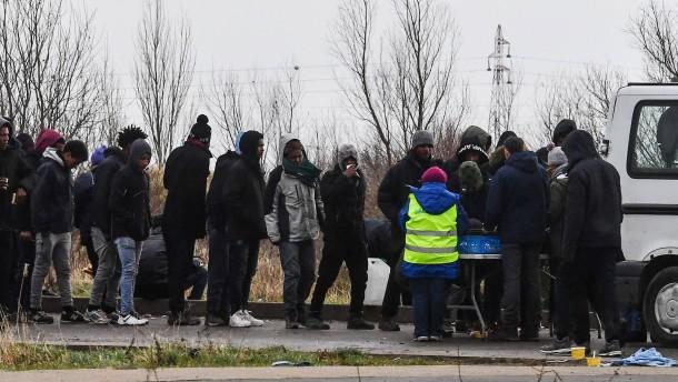 Vier Flüchtlinge mit Schusswunden in Lebensgefahr