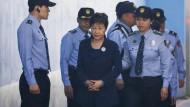 24 Jahre Haft für Park Geun-hye