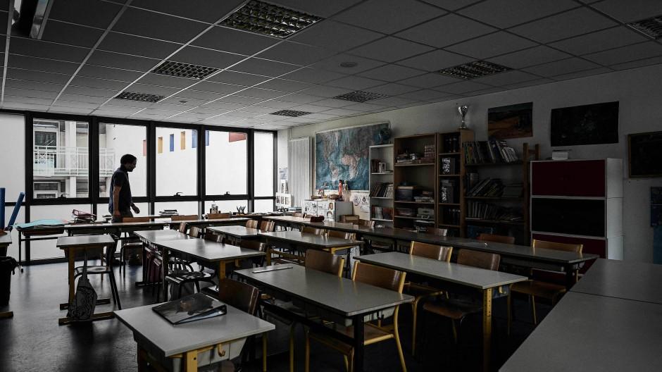 Ein leerer Klassenraum in einer Schule in Paris im Mai 2020