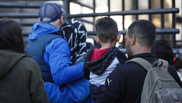 """""""Im Widerspruch zu den Einwanderungsgesetzen"""""""
