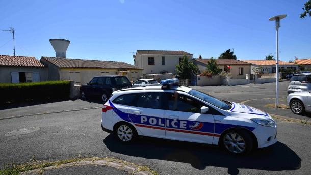 Ermittlungsverfahren gegen zehn Verdächtige eingeleitet