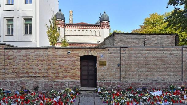 Überlebende des Anschlags von Halle kritisiert Polizei
