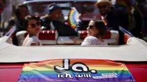 Schweizer stimmen deutlich für Ehe für alle