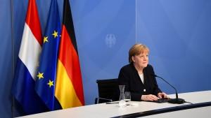 Merkel dankt Niederländern für Versöhnung nach dem Zweiten Weltkrieg