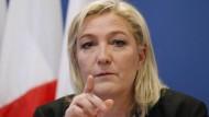 Die Vorsitzende des Front National, Marine Le Pen, macht die EU für die Schwäche Frankreichs in der Terrorbekämpfung mitverantwortlich.