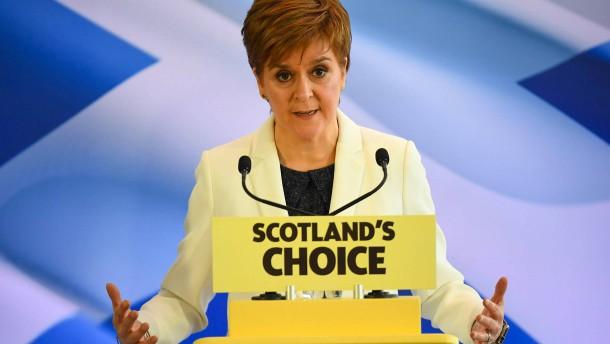 Nationalisten legen Plan für Referendum vor