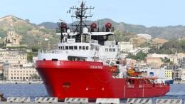 "Italien lässt Migranten von ""Ocean Viking"" an Land"