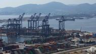 Begehrt: Ein chinesisches Staatsunternehmen hat sich in den Hafen von Piräus eingekauft.