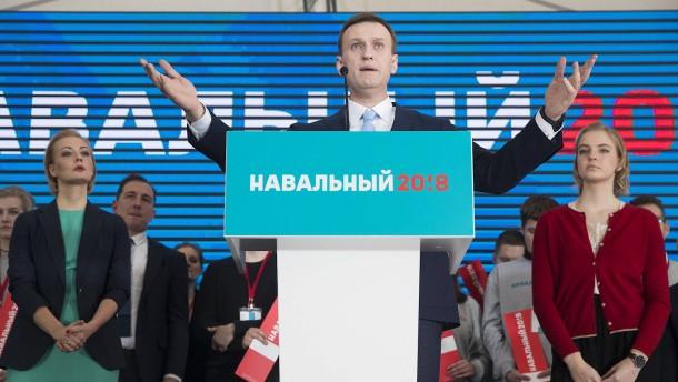 Tausende demonstrieren für Zulassung Nawalnyjs
