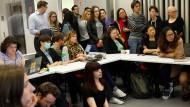 Zielscheibe: Studierende der CEU in Budapest. Die Hochschule bietet einen Doppelabschluss an. Das missfällt Orbáns Regierung.