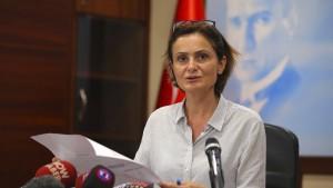 Haftstrafe für die CHP-Vorsitzende Istanbuls
