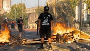 Krawalle nach tödlichem Polizeieinsatz gegen Straßenkünstler