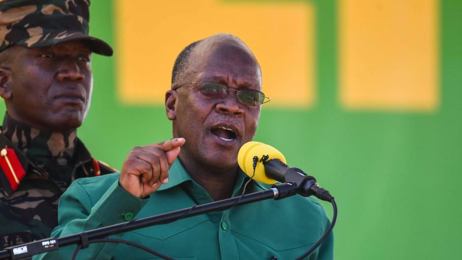 Tansanias Präsident John Magufuli, Spitzname Bulldozer