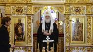 Einen Kirchenbann hat er nicht ausgesprochen, isoliert steht er dennoch: Moskaus Patriarch Kirill am Montag in Minsk.