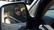 Die Aktivistin Manal al Sharif wurde mit einem Video bekannt, in dem sie in Saudi Arabien Auto fährt.