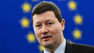 Seine abrupte Doppelbeförderung zum Generalsekretär der EU-Kommission hatte im Februar 2018 Kontroversen ausgelöst: Martin Selmayr.