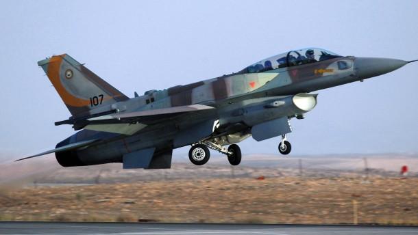 Israel bombardiert syrische Stellungen