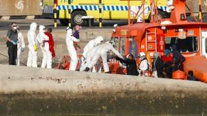 Spaniens Angst vor dem Virus im Schlauchboot