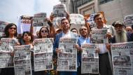Demonstration gegen Journalisten-Prozesse: Am Donnerstag wurden 35 Haftbefehle gegen Medienvertreter ausgestellt, über 160 Journalisten sind bereits in Haft.