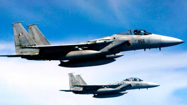 Japanische Kampfjets fangen chinesisches Flugzeug ab