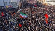 Der Trauerzug für Qassem Soleimani in dessen Heimatstadt Kerman
