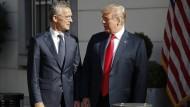 Droht mit Alleingang: Trump mit Nato-Generalsekretär Jens Stoltenberg