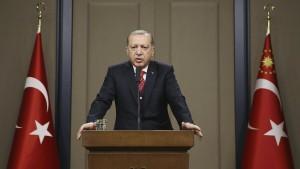 Türkei entlässt weitere Staatsdiener