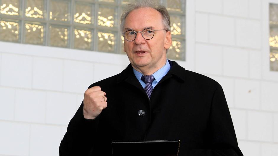 Der Ministerpräsident von Sachsen-Anhalt, Reiner Haseloff, am 17. April in Magdeburg