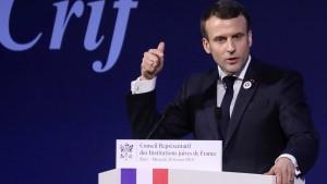 Macron kündigt härteres Vorgehen gegen Antisemitismus an