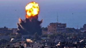 Israelische Bodentruppen dringen in den Gazastreifen vor