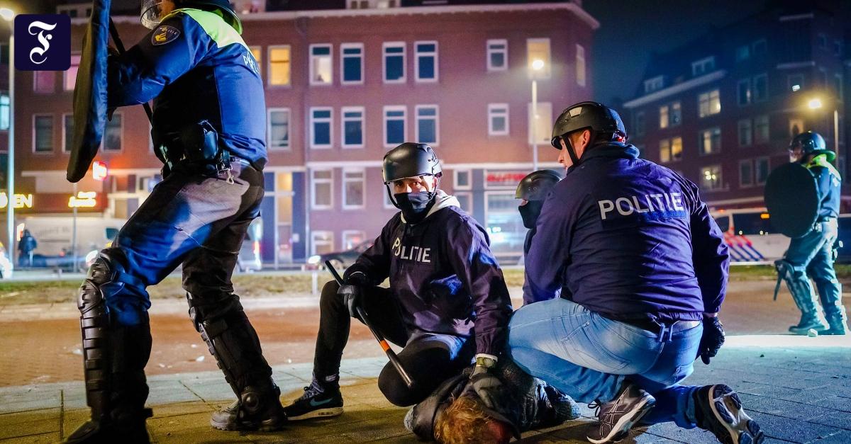 Krawalle in mehreren Städten: Abermals schwere Ausschreitungen in den Niederlanden