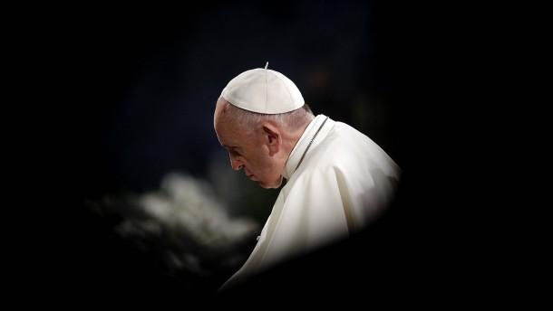 Papst Franziskus ermutigt Gläubige zu mehr Lebensfreude